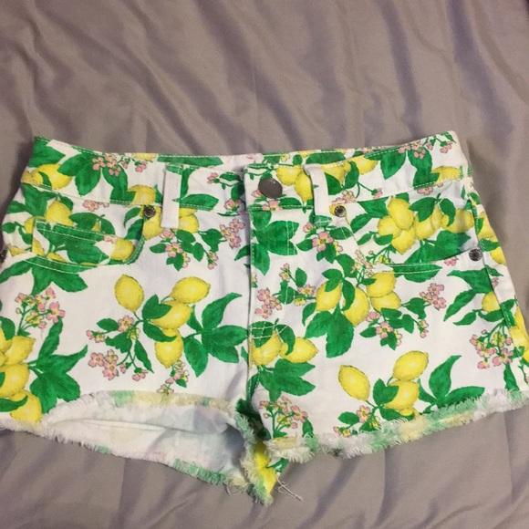 Victoria's Secret Pants - Victoria's Secret lemon shorts size 0